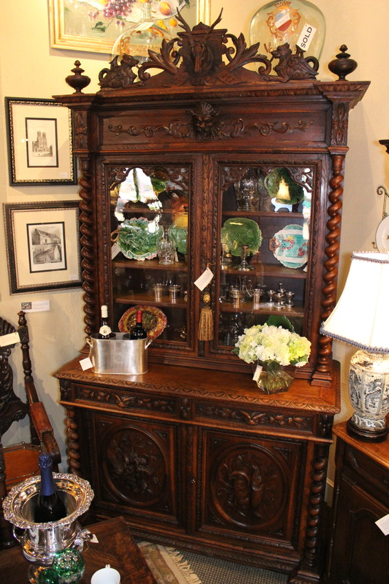Antique French Barley Twist Carved Oak Hunt Bookcase Cabinet With Finely  Carved Deer Head Flanked By Griffins. The Crown Is Crafted From Dense Old  Growth ...